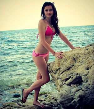 Looking for local cheaters? Take Kiana from Minnesota home with you